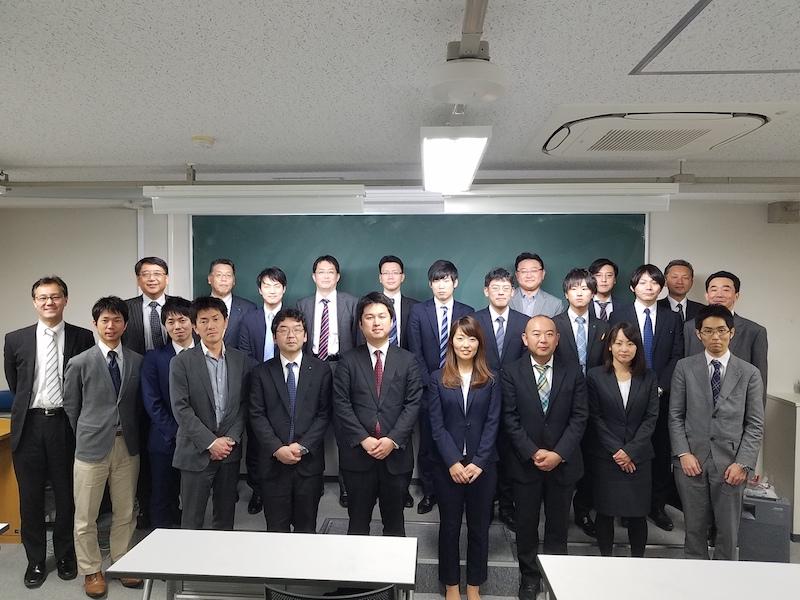 http://shimizu-kazumichi.com/20171108-19.jpg